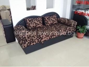 Триместен диван Комфорт