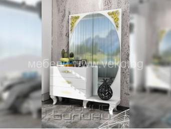 скрин-тоалетка БЕЛИСИМА със златна декорация